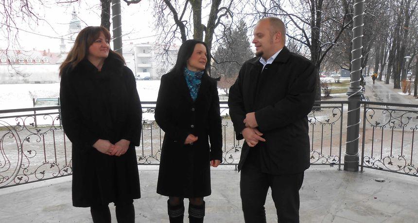 Ogulinski HDZ SDP-u: Ako mi imamo takav utjecaj na zapošljavanja, što je radio gradonačelnik? Domitrović je promašio loptu!