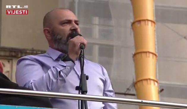 Vilim Karlović, jedan od prvih govornika na Festivalu slobode tvrdi da ga je poslao Isus (thumbnail)