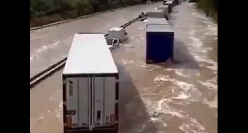 VIDEO Nezapamćeno nevrijeme u južnoj Francuskoj - ceste i željeznice pod vodom, radnika udario grom
