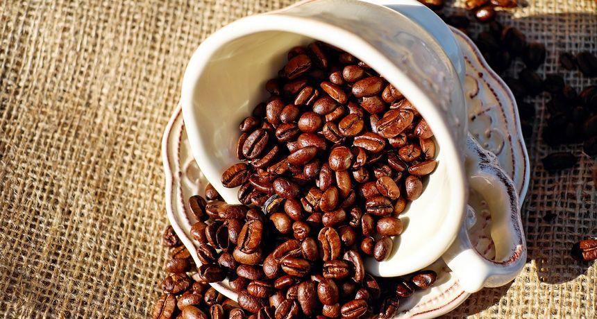 Obožavate kavu? Evo što je ovaj liječnik otkrio da se u njoj nalazi, a mnogima se život smučio