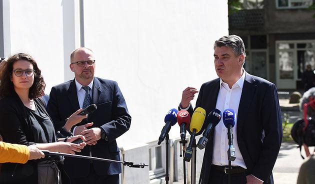 Predsjednik opet žestoko - Milanović: 'Zalagao sam se za pravo srpske manjine na ćirilicu. Figu su mi držali i SDSS i Pupovac i Plenković'