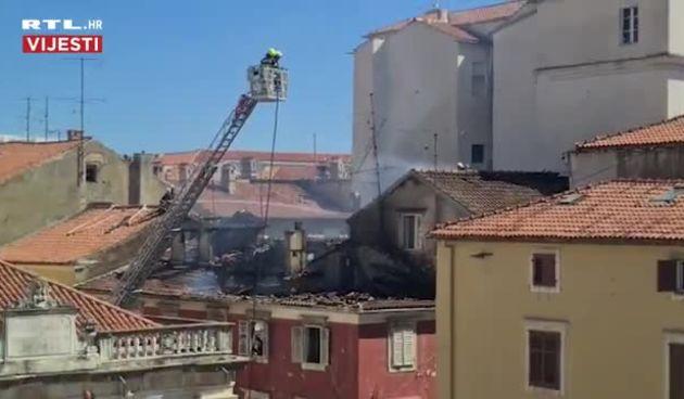 Pogledajte kako centar Zadra izgleda nakon požara (thumbnail)
