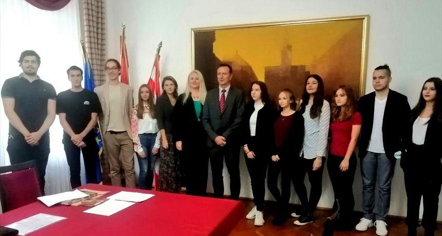 Grad Varaždin upriličio prijem za maturante koji su ostvarili najbolje rezultate na maturi