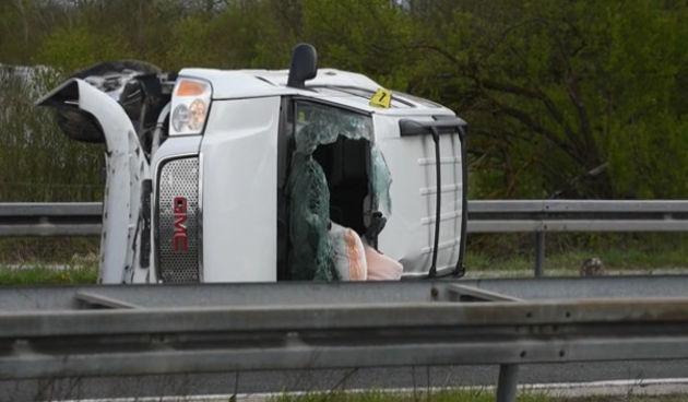 Prometna+nesreća+na+A1+kod+Karlovca+19.+travnja+2021.+(thumbnail)