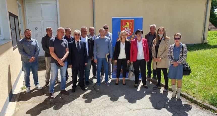 U Slunju konstituirano Gradsko vijeće, HDZ tu nema problema s većinom - nova gradonačelnica uvjerena da će biti konstruktivni