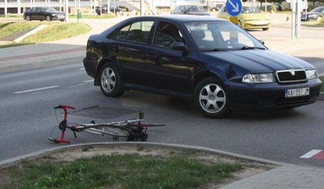 Prometna+nesreća+kod+kružnog+toka+na+Rakovcu+29.+srpnja+2021.+(thumbnail)