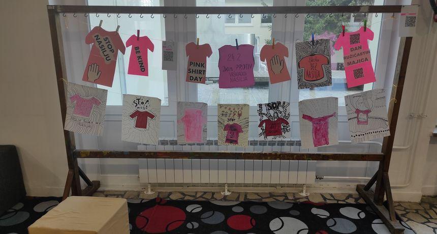 BORBA PROTIV NASILJA Peta osnovna škola obilježila Dan ružičastih majici