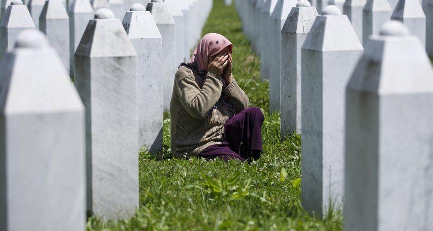 'Živim, a ne živim', kaže žena koja je izgubila tri sina i muža. Majkama Srebrenice bez igdje ikoga sada grade dom