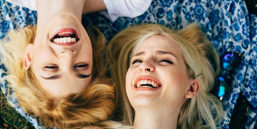 Žene više uživaju u društvu prijateljica nego muževa - slažete li se?