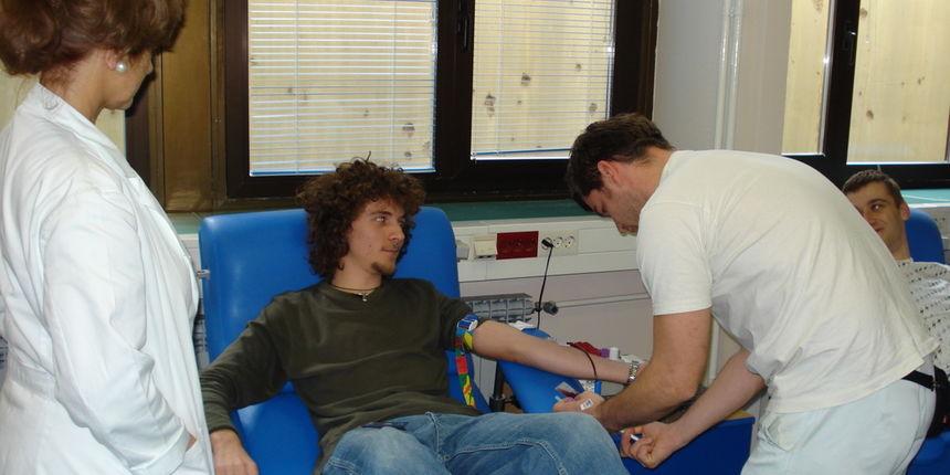 Crveni križ Osijek: Akcija dobrovoljnog darivanja krvi