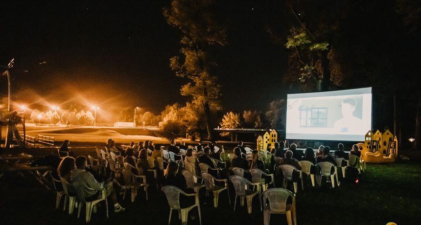 Na Korani večeras uz besplatnu projekciju filma