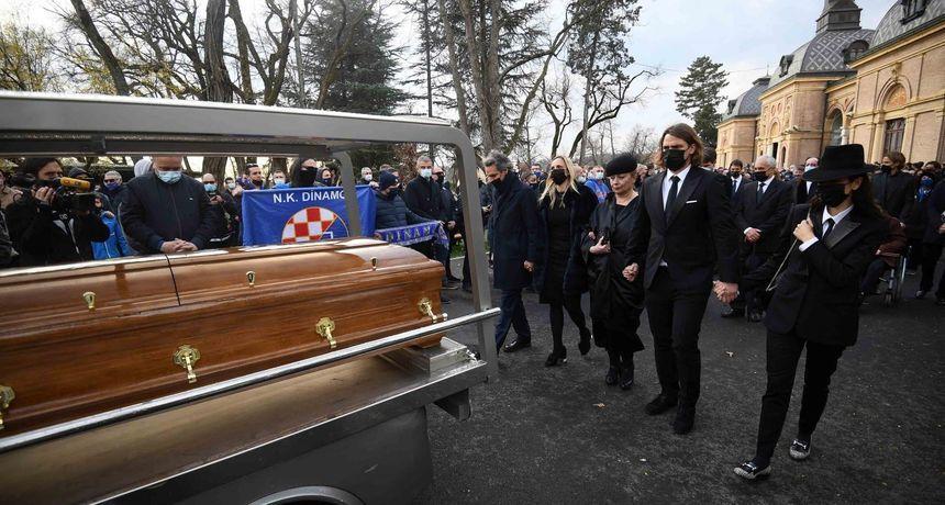 Stotine ljudi oprostile se od Cice: Na Mirogoju pokopan Zlatko Kranjčar