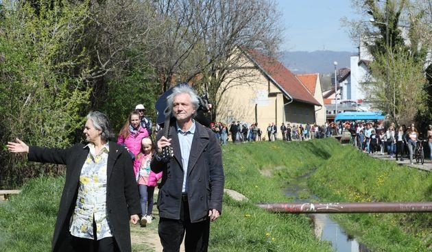 Rundek predvodio prosvjed protiv betoniranja potoka, Bandić proučio: 'Neki prosvjeduju, a neki rade'