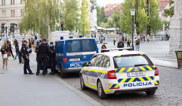 Slovenija, policija, napad Ljubljana