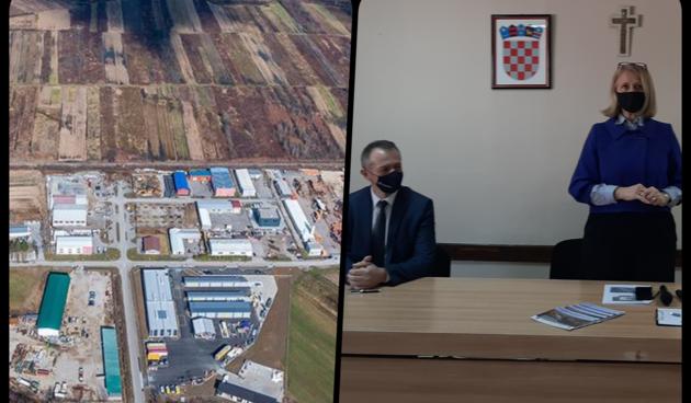Grad Ozalj završio izgradnju prometnice i pružnog prijelaza u poslovnoj zoni Lug - sad povezane zone malog i velikog gospodarstva