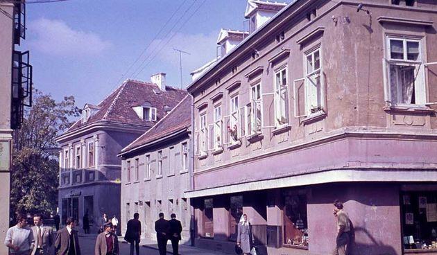 Karlovačkim suvenirima danas možemo biti zadovoljni, prije pola stoljeća reporter je bezuspješno lutao gradom u potrazi za njima