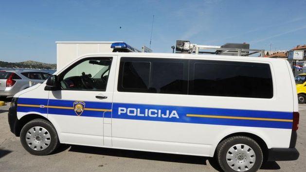 Kombi, Policija