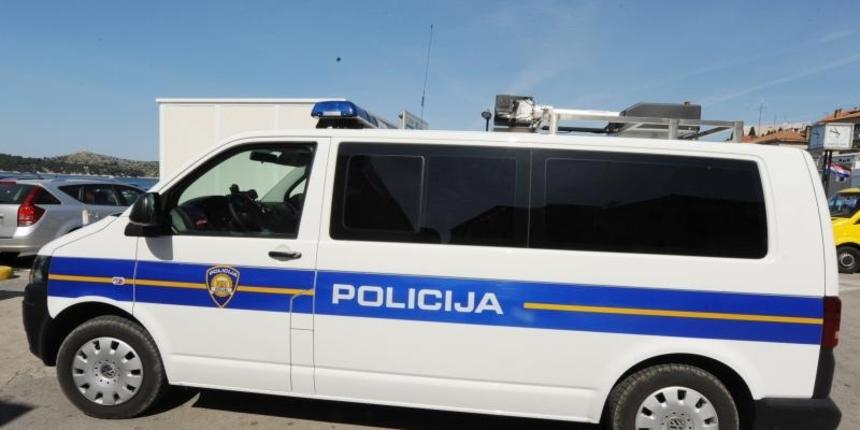 U Splitu ispod vozila u automehaničarskoj radnji pronađeno mrtvo tijelo muškarca