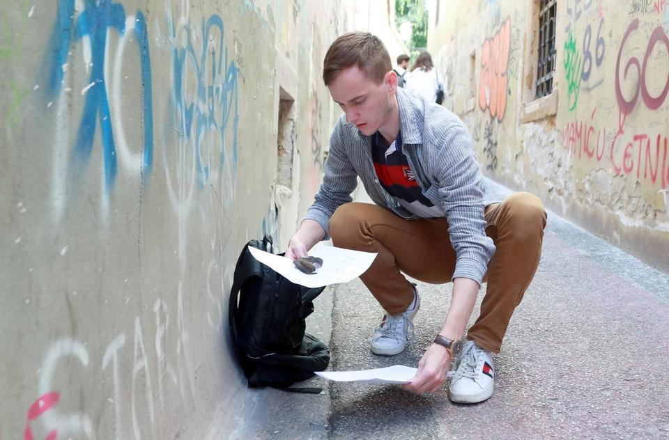 Malenome ''Batmanu'' zatrebala je pomoć usred Zagreba