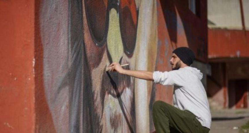 Nakon što su po njemu nazvali most, Balašević dobio prekrasan mural