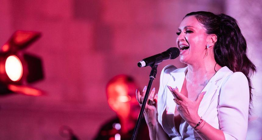 DAN ČETVRTI Procesija i misa na blagdan Gospe od Anđela, festival zatvara Nina Badrić