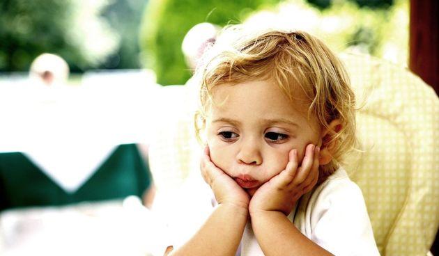 Tvrdoglava djeca mogu biti noćna mora. Ponekad roditelji ne razumiju zašto ih ne slušaju i loše se ponašaju.