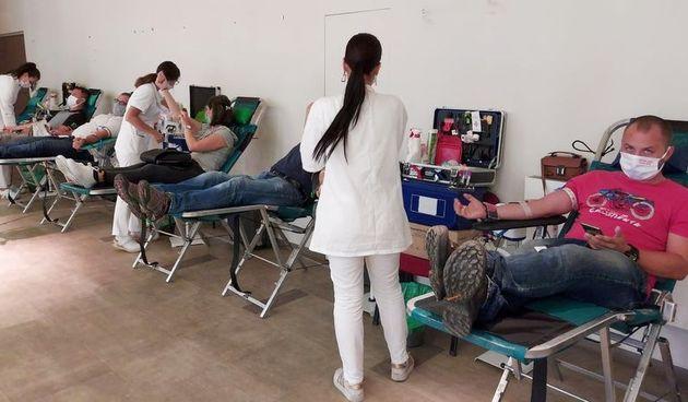 Na prvoj ovogodišnjoj akciji dobrovoljnog darivanja krvi, strogim mjerama unatoč prikupljeno čak 99 doza krvi