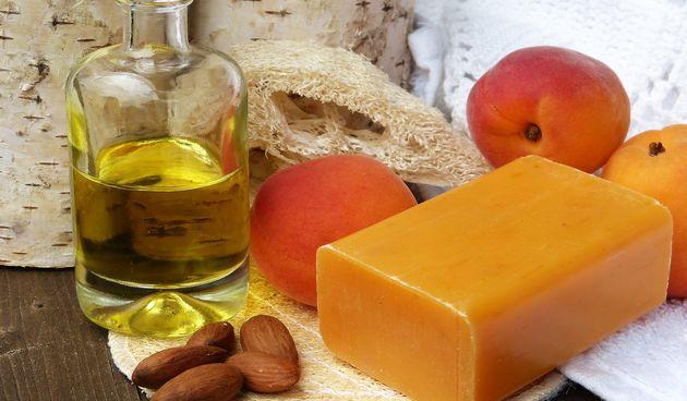 Ove zime pružite svojoj koži najbolju njegu - bademovo ulje