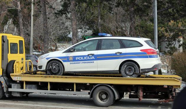 policija auto kvar vučna služba