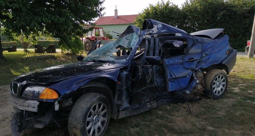 DETALJI TEŠKE NESREĆE Mladić (19) zbog brzine sletio s ceste, iz smrskanog BMW-a vadili ga vatrogasci