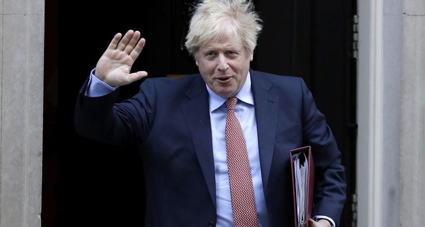 Johnson otkrio da je Britanija na putu da u lipnju ukine držanje razmaka: 'Imamo veliku šansu...'