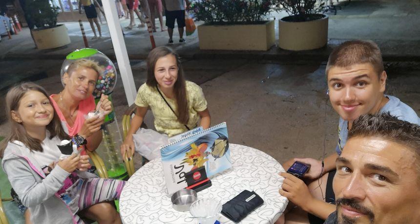 Irena opet pokazala koliko veliko srce ima, Baro izvan sebe: 'Opelješila je knjižaru i poslala sve mojoj djeci'