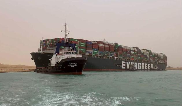 brod sueski kanal