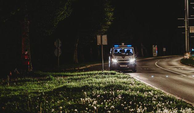 Policija noć