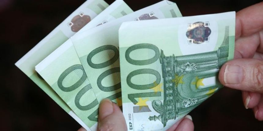 SLOVENSKI POLICAJAC odbio 50 eura mita, Hrvat mu probao dati 100