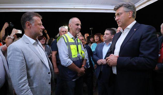Premijer je nazočio spajanju posljednjeg segmenta Pelješkog mosta