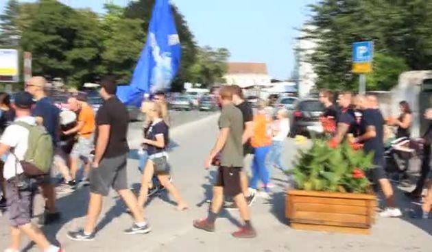 Navijači Varteksa prodefilirali varaždinskim ulicama (thumbnail)