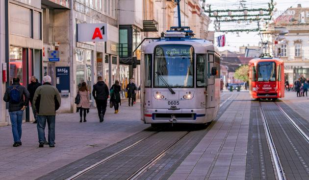 Šetnja prohladnim Osijekom tramvaj tramvaji