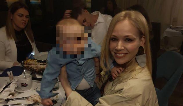 Jelena Rozga slavila u restoranu: Majčinstvo joj dobro pristaje