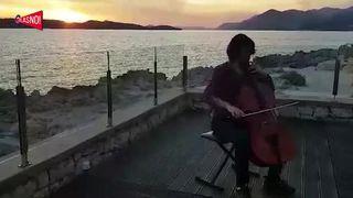 GLASNO! Vid - Bachov peludij (chello) (thumbnail)