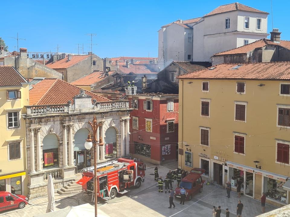 Požar stana u središtu Zadra