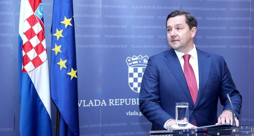 Reakcije na Mikulića: 'Ljudi koji vode represivna tijela naprosto ne bi smjeli biti angažirani u kampanji'
