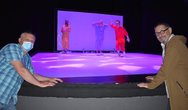 FOTO Nova predstava Kazališne družine Pinklec: Premijerno odigrali 'Plavo sunce na žutom nebu'