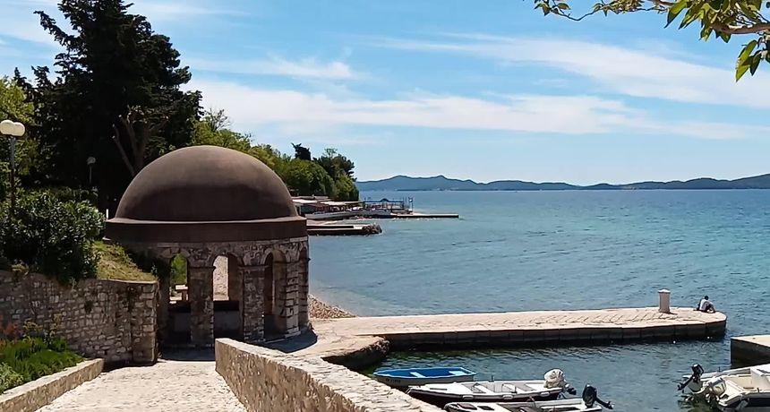 Zadarska Fontana na starim fotografijama i razglednicama
