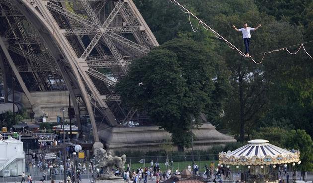 Francuz hodao po užetu