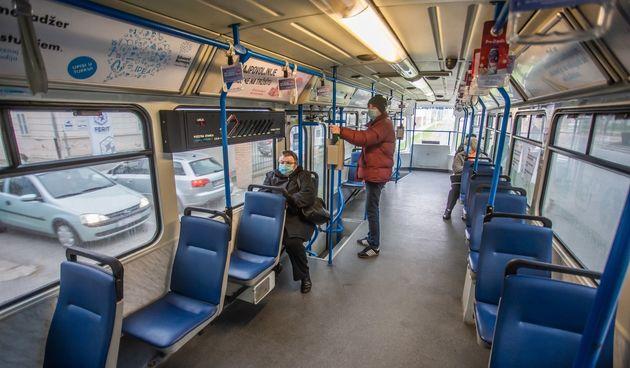 tramvaj putnici