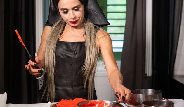 Večera za 5 na selu, Olja Vampirica
