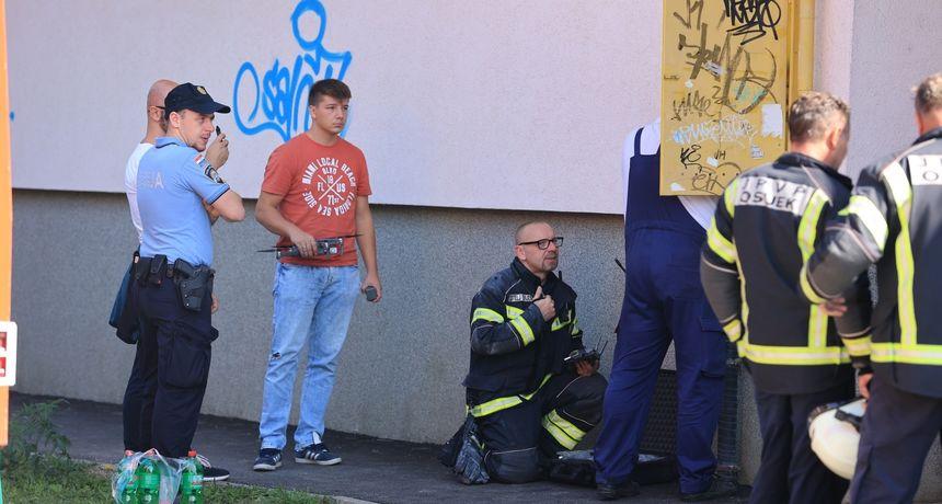 Požar u Osijeku: Zbog velike količine dima evakuirani svi stanari, nema ozlijeđenih