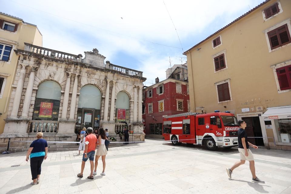 Otkrivaju se razmjeri požara u Zadru - uništeni su prvi, drugi kat i potkrovlje
