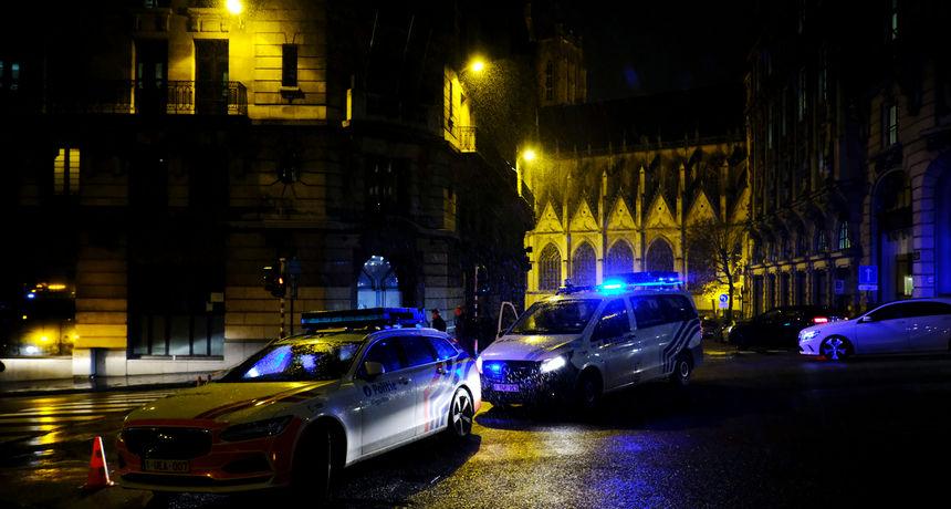Stravičan slučaj potresao Belgiju: Pet tinejdžera uhićeno zbog sumnji da su silovali 14-godišnju djevojčicu na groblju!